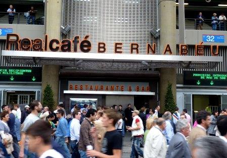Real Cafe Bernabeu - cafe og restaurant på Bernabeu