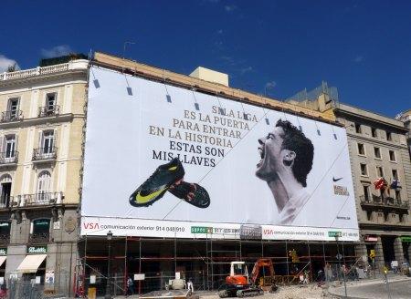 Cristiano Ronaldo outdoor plakat Puerta del Sol i Madrid