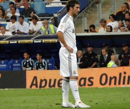 Gonzalo Higuain set i profil: trøje | shorts | strømper | støvler