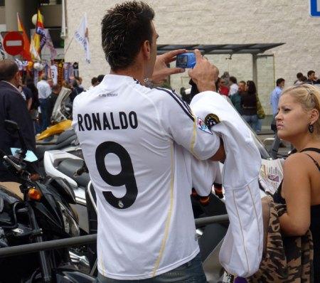 Real Madrid fan i ført Ronaldo 9 trøje