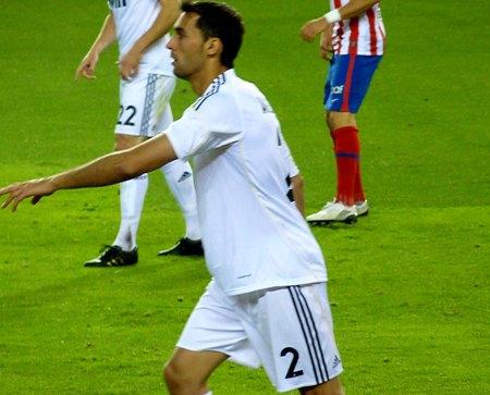 Alvaro Arbeloa med nummer 2