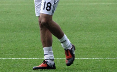 Real Madrid spiller Albiol fodboldstøvler og shorts