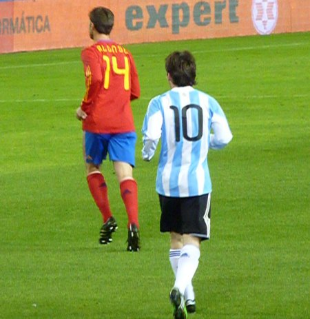 Xabi Alonso 14 for Spanien og Lionel Messi 10 for Argentina