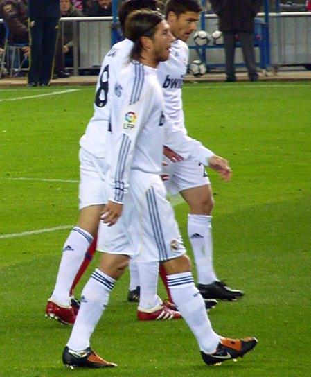 Sergio Ramos med nummer 4 for Real Madrid fuld figur